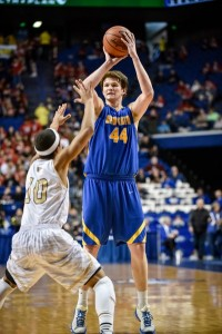 NewCath's Ben Weyer hit  5 of 6 threes against Murray. (Photo by Tim Webb)