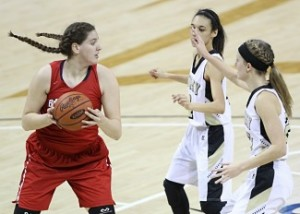 Butler's Micaiah Bowden looks to pass against Murray's LexMayes and Maddie Waldrop. (Photo by Jim Osborn)